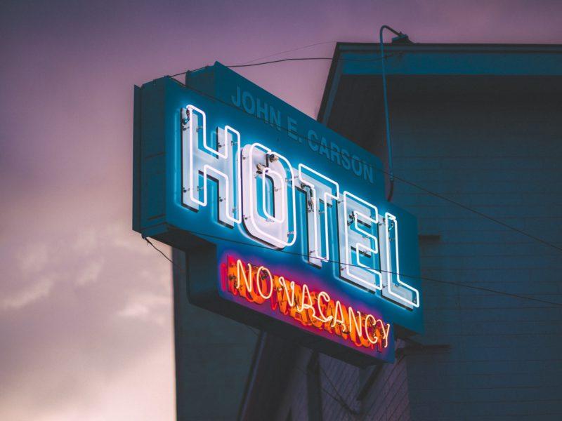 海外旅行先のホテルで使える便利な英会話フレーズ