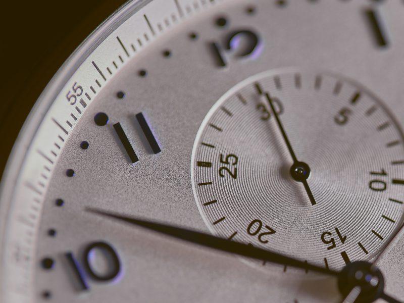 日本人が英語を話せるようになるには何時間必要?